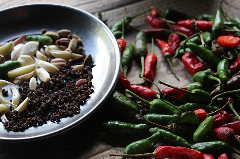 Ingredients chutney Timur
